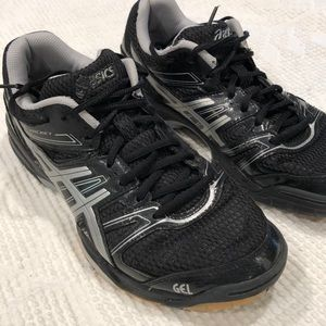 ASICS Gel Rocket Volleyball shoes priced to sell!